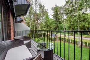 80 m² Keturviečiai apartamentai su balkonu. I-as kotedžas, apartamentai Nr. 2 -