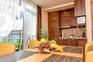 80 m² Apartament czteroosobowy z balkonem Nr. 2, dom Nr. 1 -