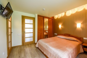 40 m² Dviviečiai apartamentai su terasa. II-as kotedžas, apartamentai Nr. 1 -
