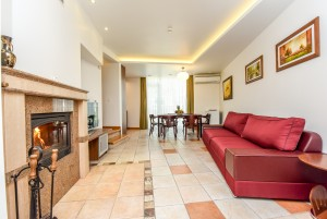 80 m² Quadruple 2-bedroom apartment with balcony and fireplace. 2nd cottage, apartment No. 2 -