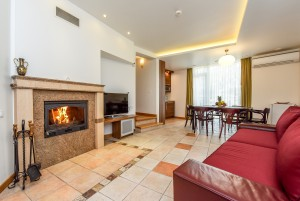 80 m² Quadruple 2-bedroom apartment with balcony and fireplace. 2nd cottage, apartment No. 2